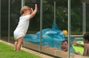 Best Removable Pool Fence
